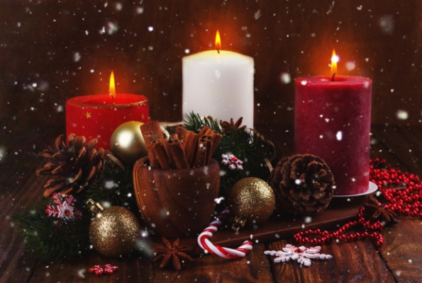 0001_christmas-candles-ornaments_67618-692_1574927456-95be03da8308de76df3bcccdeb116790.jpg